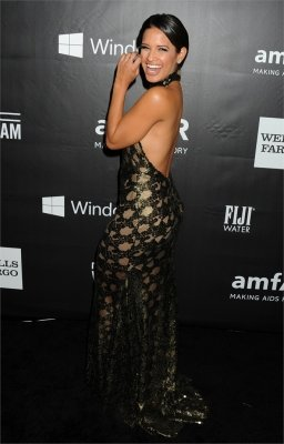 braless Rocsi Diaz hot glamour dress at amfAR Gala photo 3