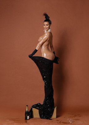 Kim Kardashian NAKED photoshoot pic 1