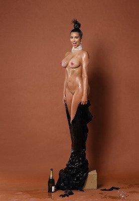 Kim Kardashian NAKED photoshoot pic 3