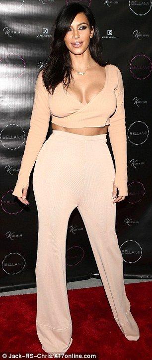 Kim Kardashian in hot outfit Buzz photo 4