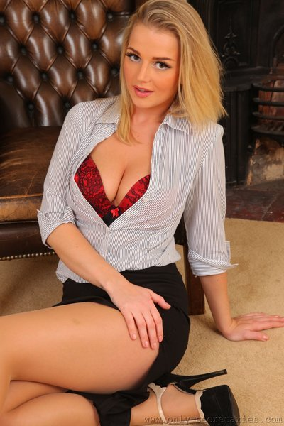 blonde babe Erica sexy cleavage