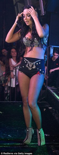 Tulisa Contostavlos tiny hotpants on stage photo 5