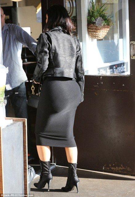 Kim Kardashian ass tight dress