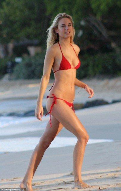 Kimberley Garner red bikini on the beach pic 3