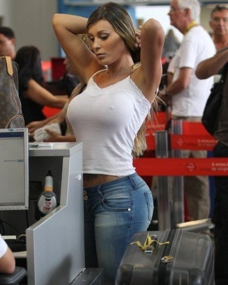 busty-braless-white-t-shirt-pw2-andressa-urach