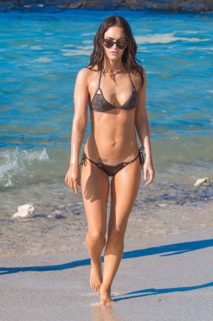 Megan Fox tiny bikini in Hawaii pic 1