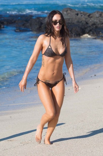 Megan Fox tiny bikini in Hawaii pic