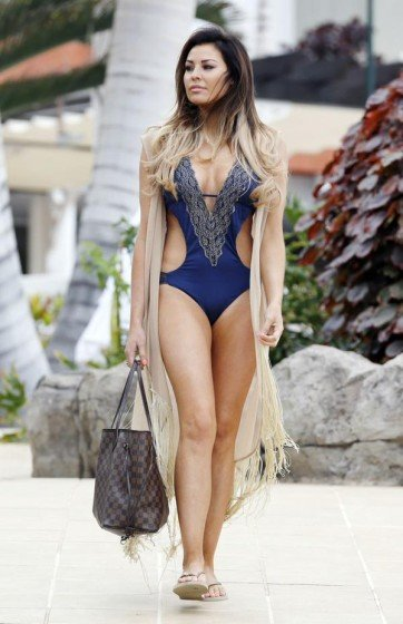 Jesica Wright hot apperances in Tenerife photo 2