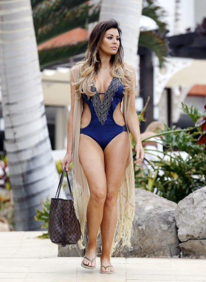 Jesica Wright hot apperances in Tenerife photo 4