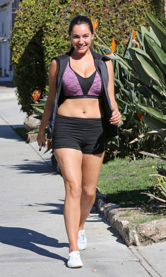 Kelly Brook leaving a Gym in L.A. photo 2