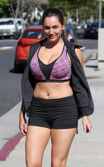Kelly Brook leaving a Gym in L.A. photo 5