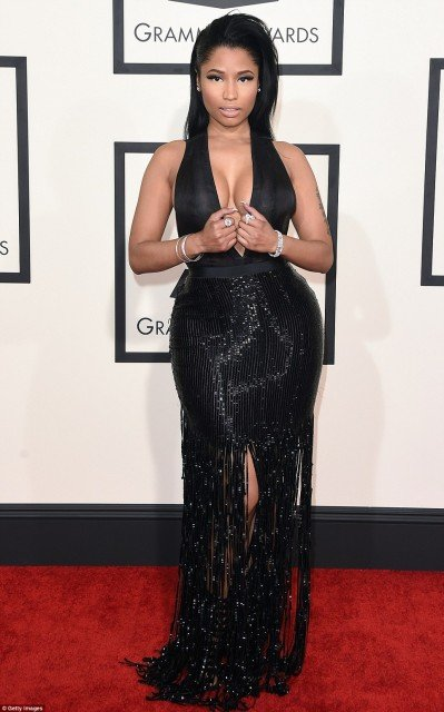 Nicki Minaj sexy dress on Grammys red carpet