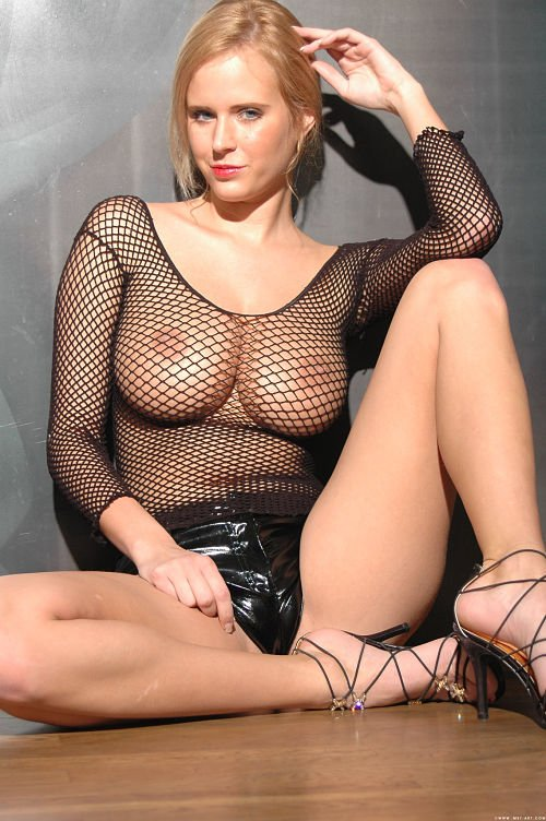 sexy-fishnet-reveals boobs-photo 16
