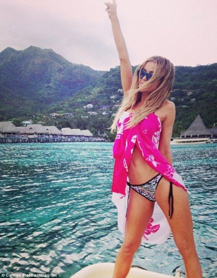 Carmen Electra hot bikini baeb on Instagram photo