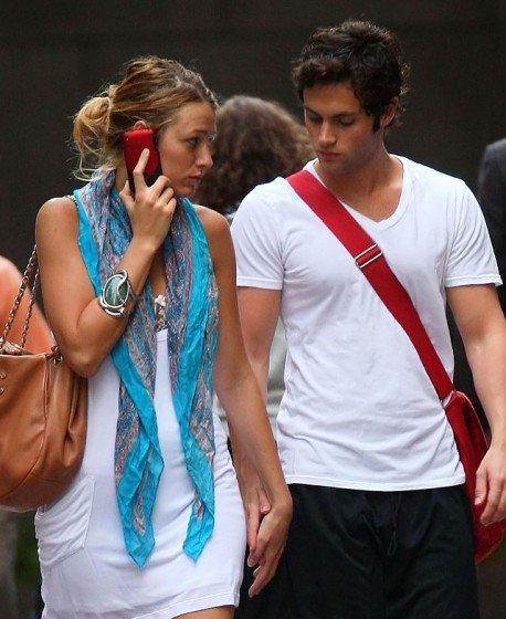 Blake Lively with her boyfriend stroll in New York City
