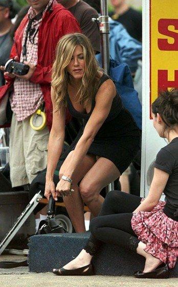 Jennifer Aniston upskirt