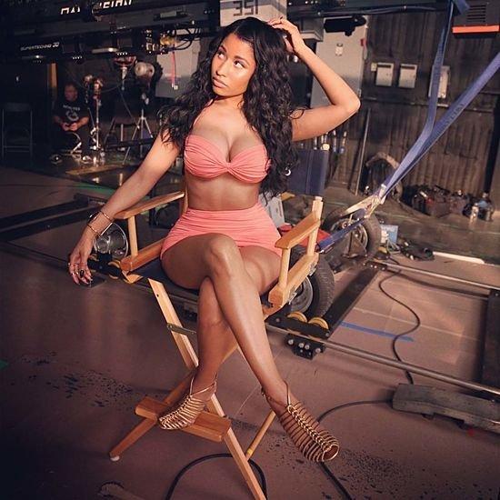 Nicki Minaj sexy outfit