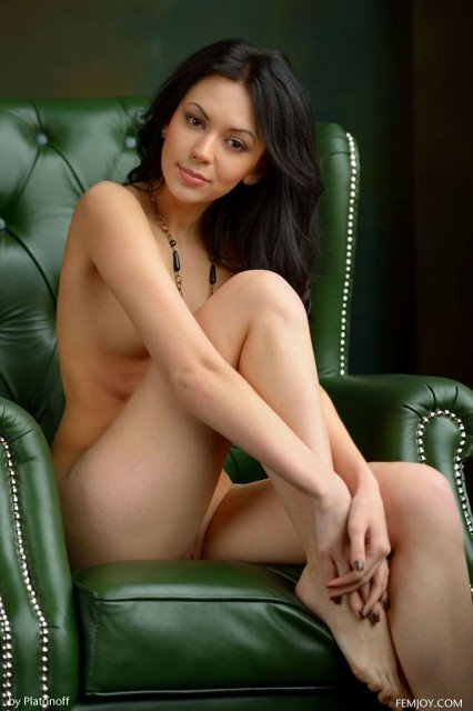 dark-haired hot babe Joanna nude on chair