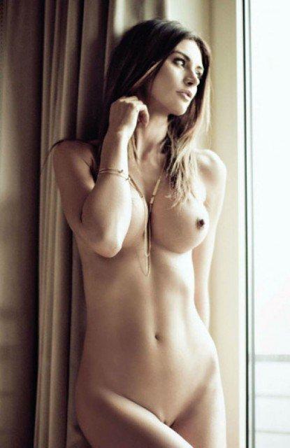 Violetta nude pose in Penthouse magazine