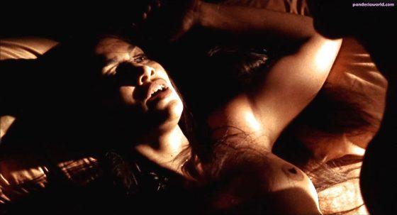 Hot singer Jennifer Lopez naked tits in sex scene