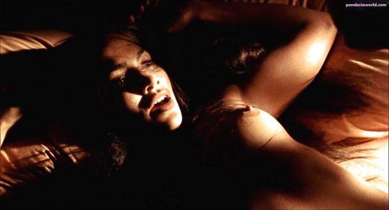 Hot singer Jennifer Lopez topless sex scene