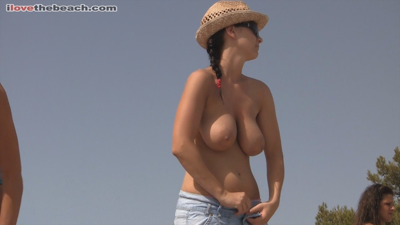 Nice Natural Boobs Naked At The Beach  Pandesia World-9006