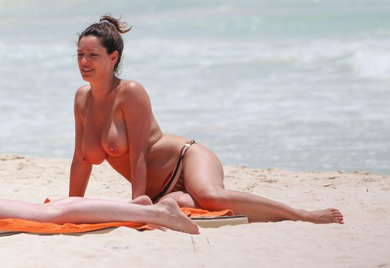 Kelly Brook boobs naked hang topless bikini