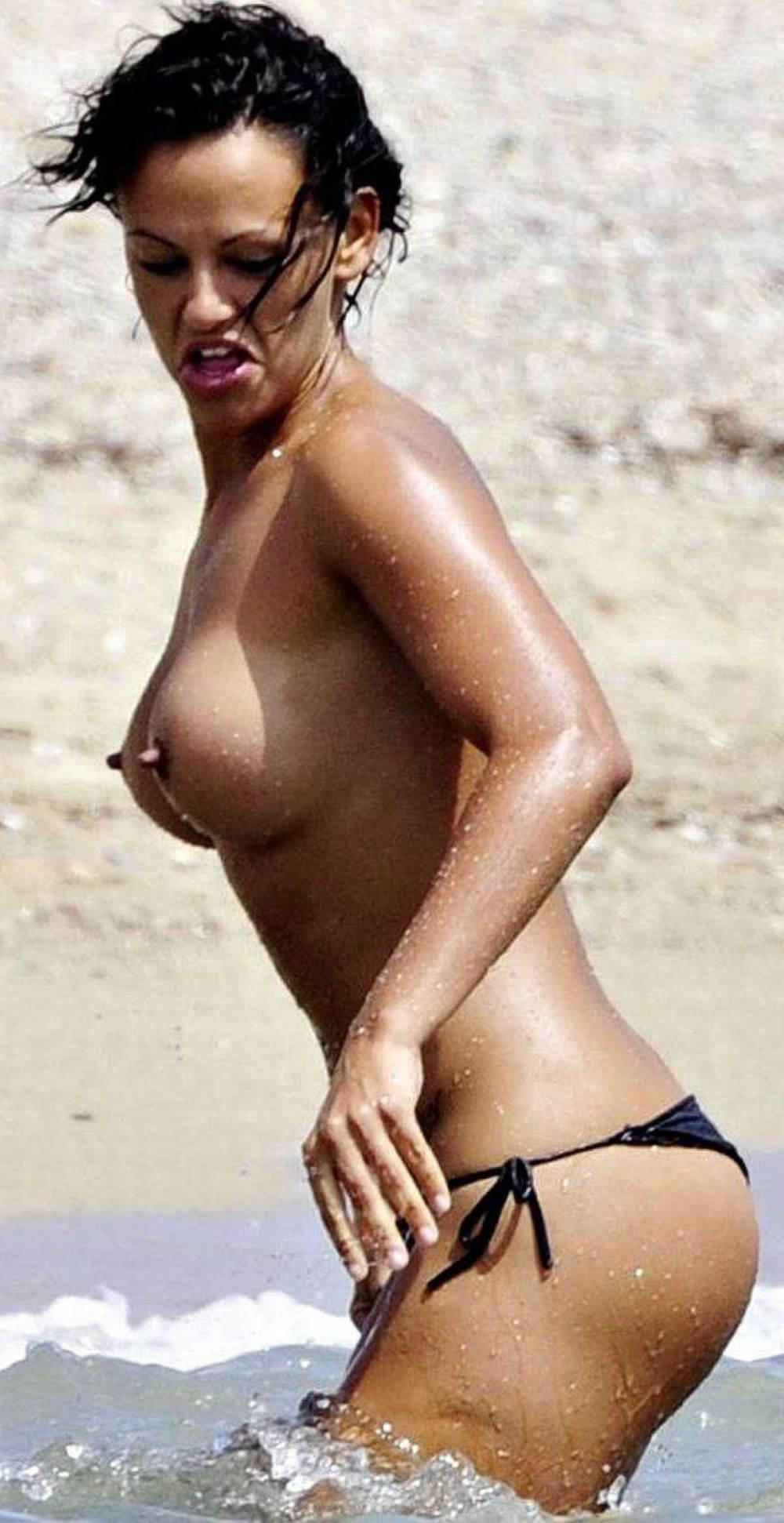 Nereida-Gallardo-topless-at-the-beach-pi