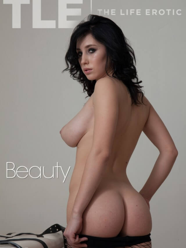 TheLifeErotic Beauty Sema cover girl