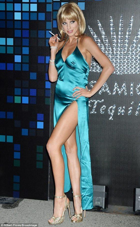 hot leg of supermodel