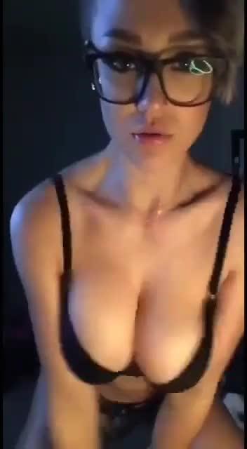 sexy girl bra tits cleavage