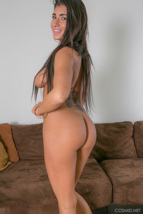 Amateur model Chloe Parsa strips naked 9