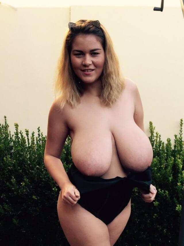 Huge Boobs Erin Topless  Pandesia World-1456