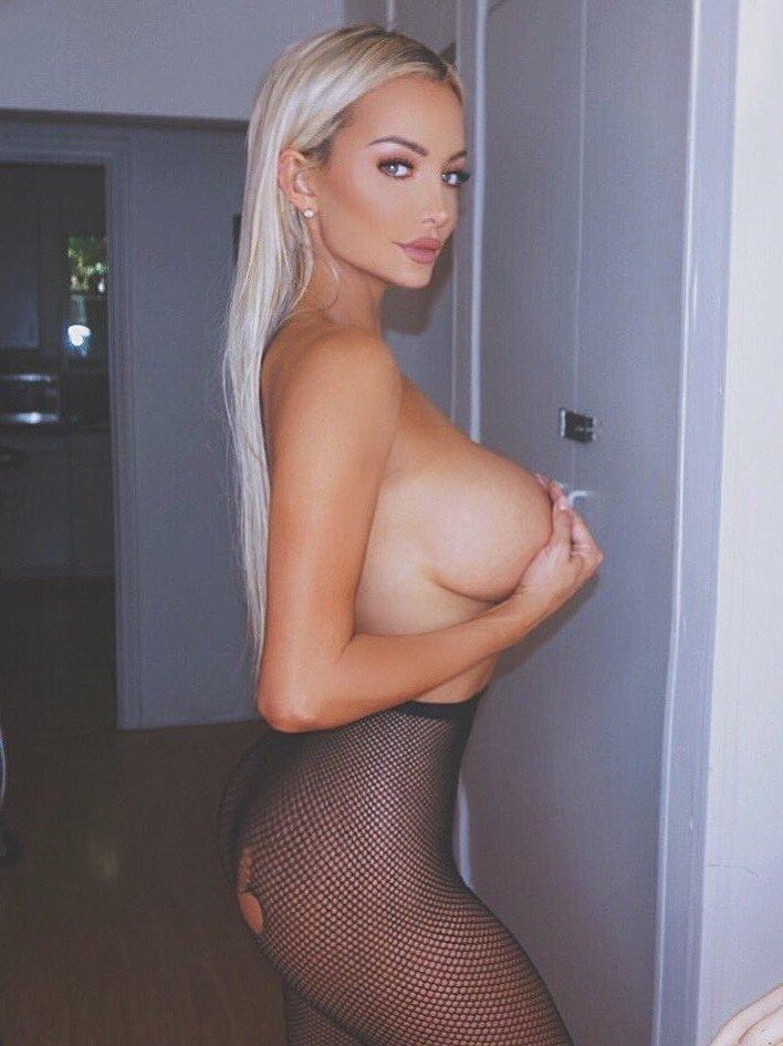Lindsey Pelas nearly naked