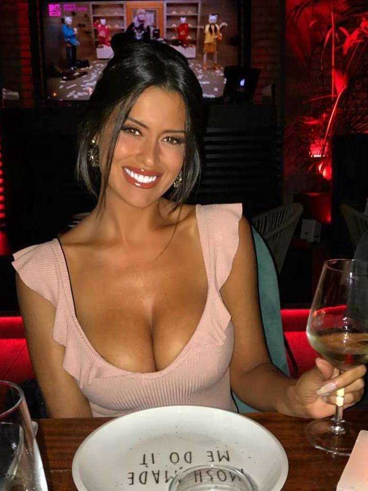 Eva Padlock sexy