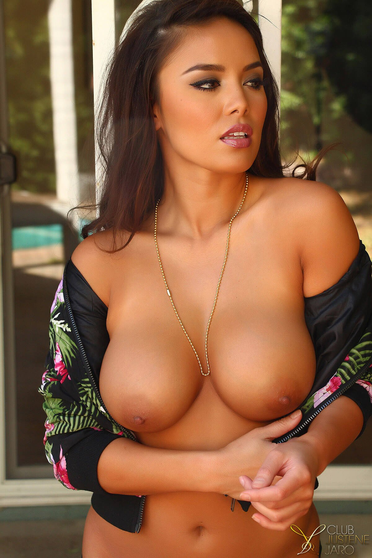 Georgous Girls Showing Big Tits Latin