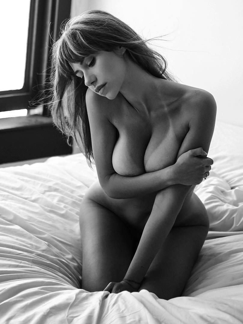 Laura Cartier nude model