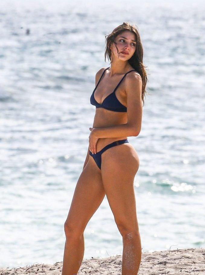 Celine-Farach sexy bikini