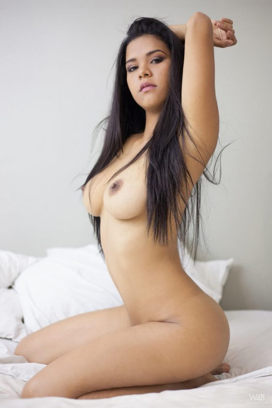 naked sexy latin girl with big tits