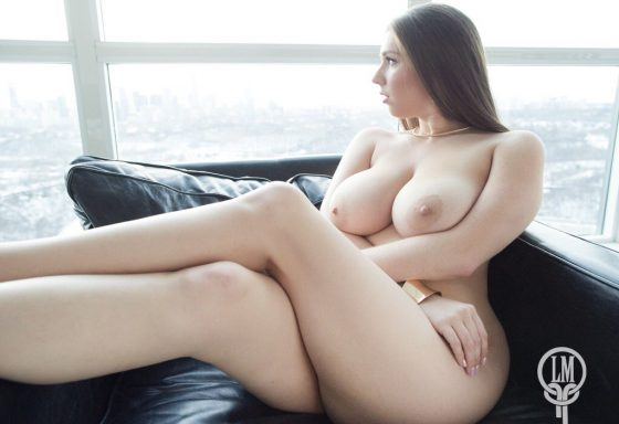 Alex Chance naked beautiful boobs and sexy hips on twitter