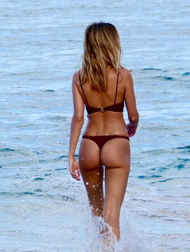 Hot ass thong bikini babe