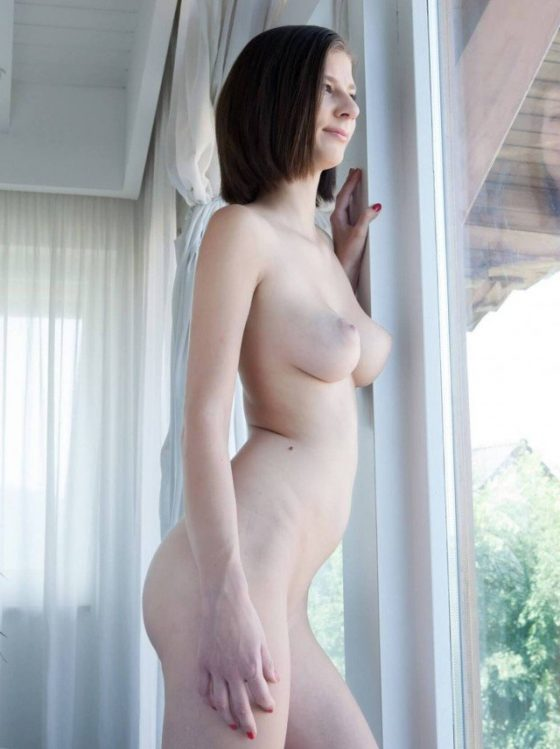 mimi-nude-erotic-model