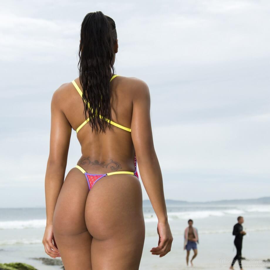 Big black booty Natalie in sexy bikinis!