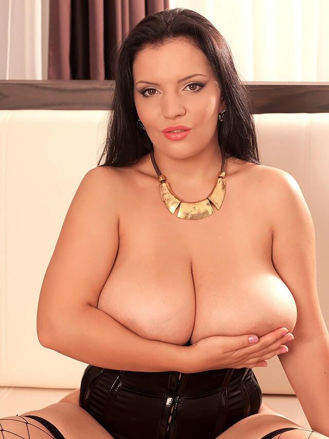 huge natural tits model topless