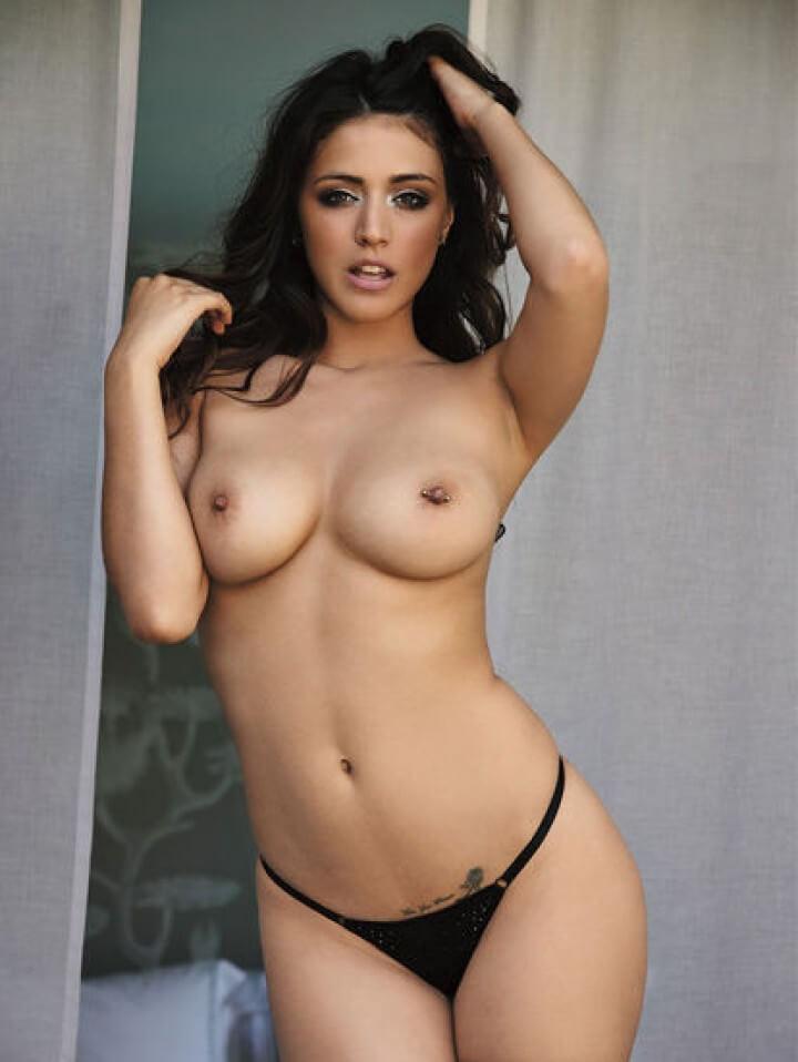 Claudia Dean nude tits