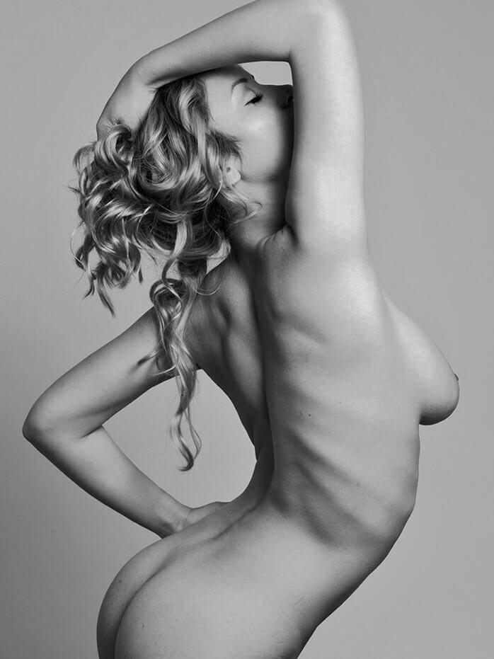 Caylee Cowan nude model