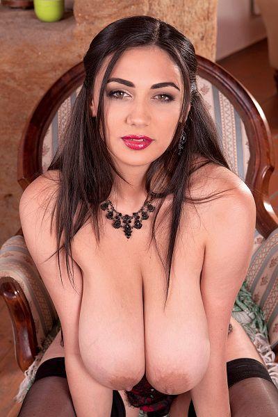 Alexya topless