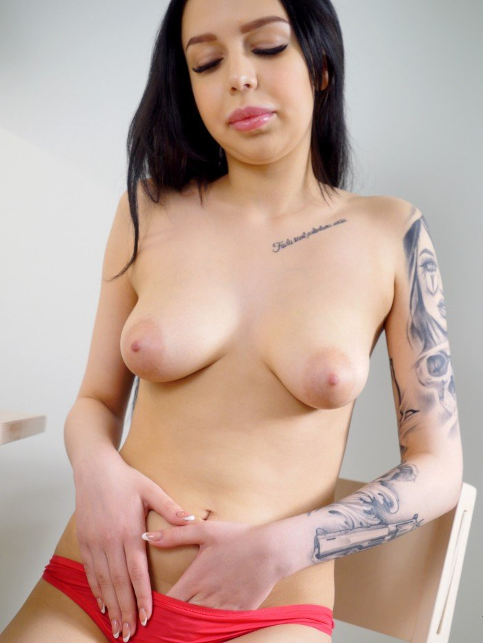 topless girl sexy nipples