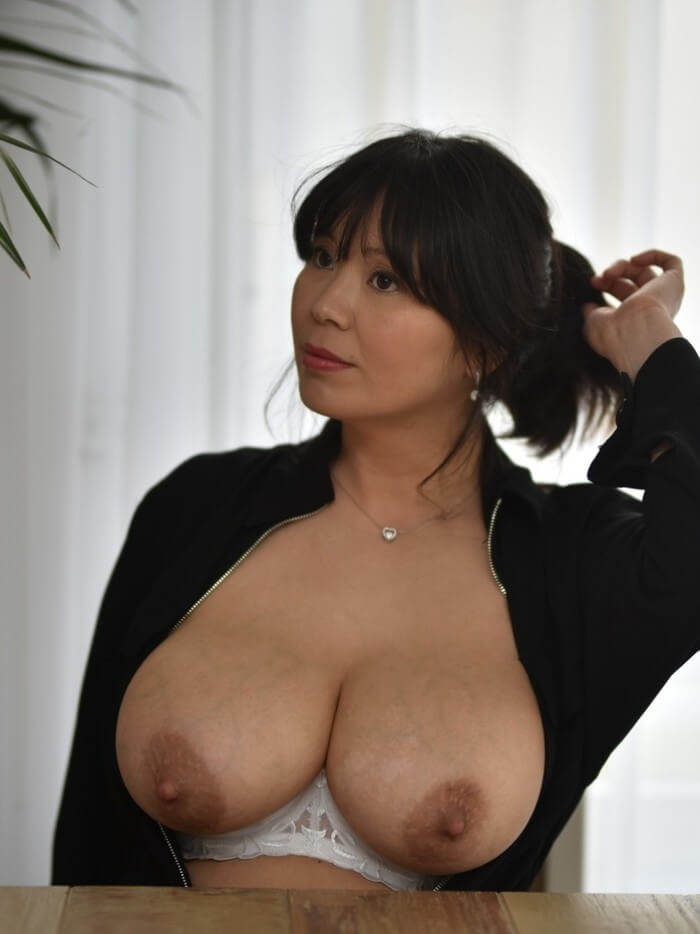 Sunny Chocolat naked Big Boobs-Fetish