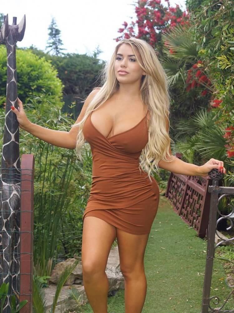 Chantel Zales sexy